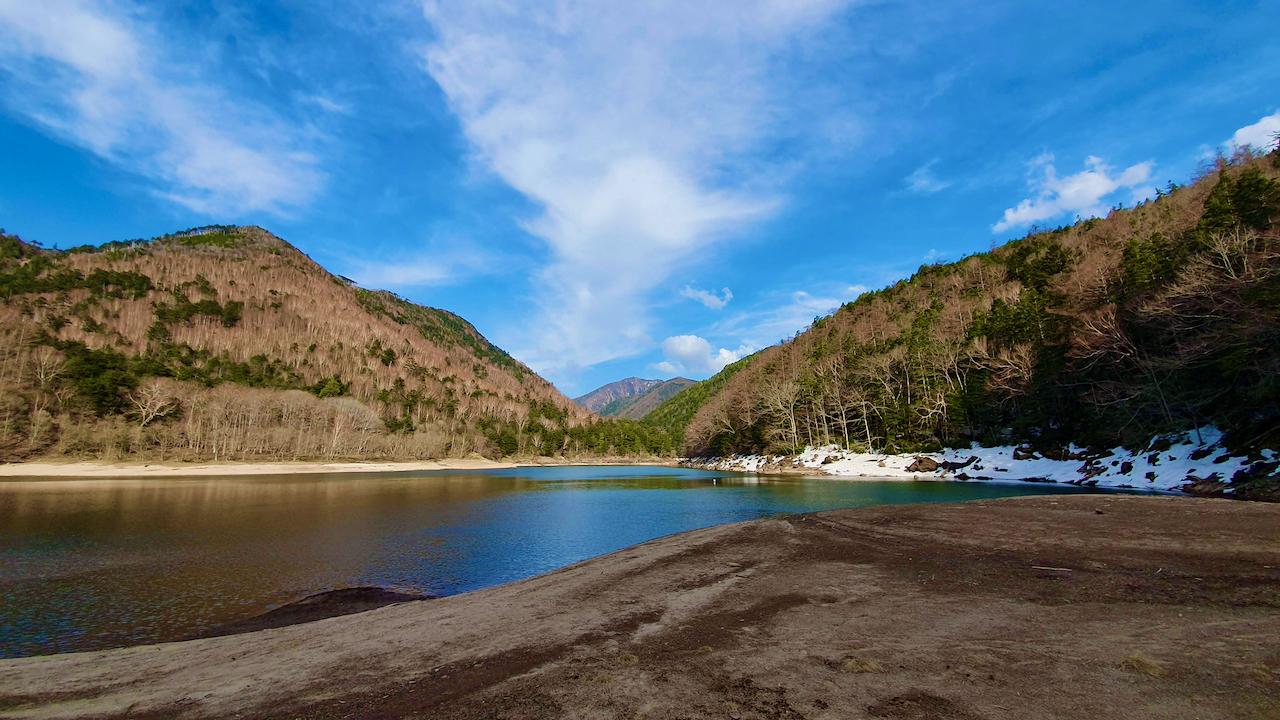 Karikomi Lake in Japan