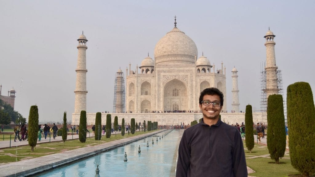 Writer of the blog awalkintheworld.com in front of the Taj