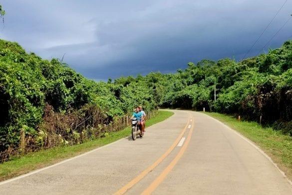 Beautiful Road in El Nido