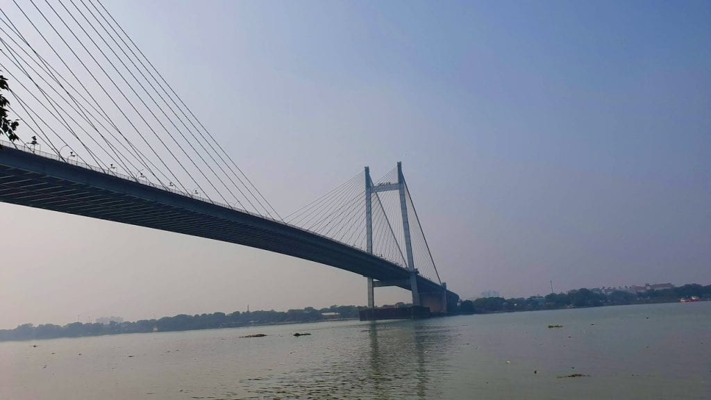 Hooghly bridge is one of the top places to Visit in Kolkata.