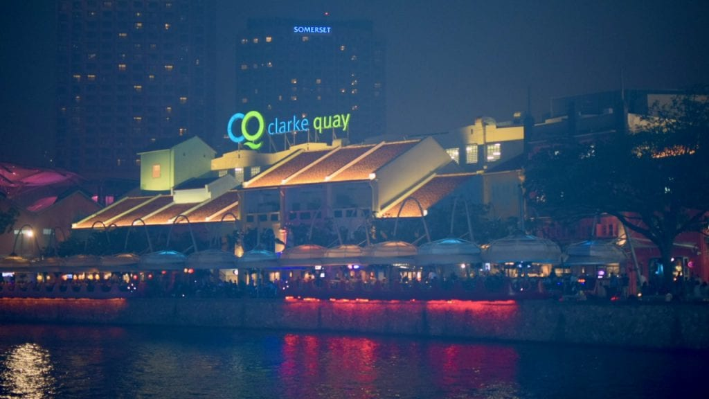 You can enjoy your dinner in Clarke Quay in Singapore with a great atmosphere.