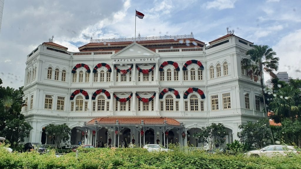 Raffles hotel is a historic and famous hotel in the heart of Singapore.