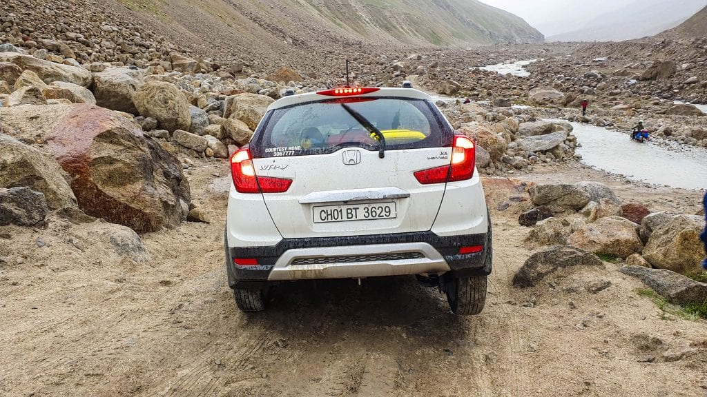 Car gets stuck on way to Spiti Valley.
