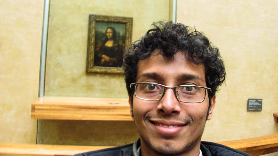 Fuad in front of Monalisa