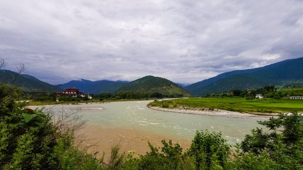Mo Chhu river is one of the mot beautiful places to visit in Punakha.