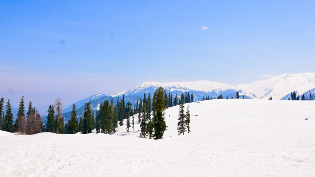 Gulmarg - places to visit in Kashmir
