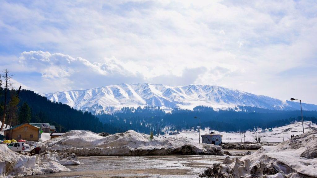 Mountains in Gulmarg
