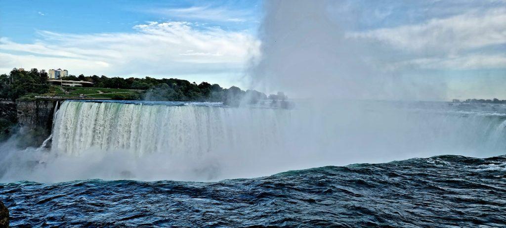 American fall in Niagara falls
