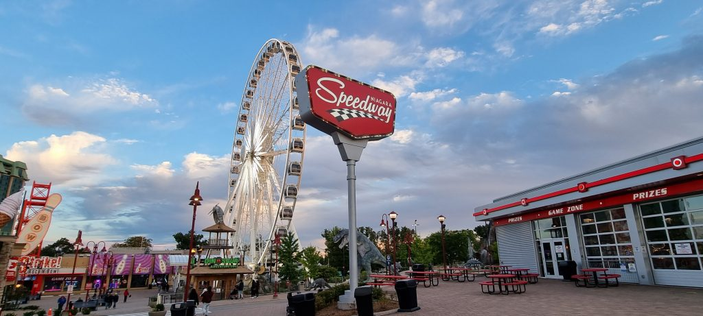 Ferries wheel in Niagara