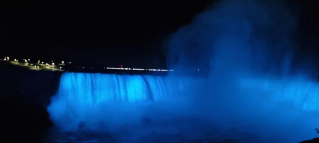 Beautiful Niagara falls at Night