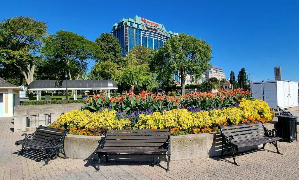 Relax at Niagara